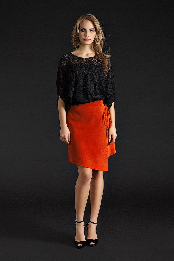 UONA.ru - интернет-магазин одежды российского бренда UONA | Юбка замшевая, короткая (оранжевая)