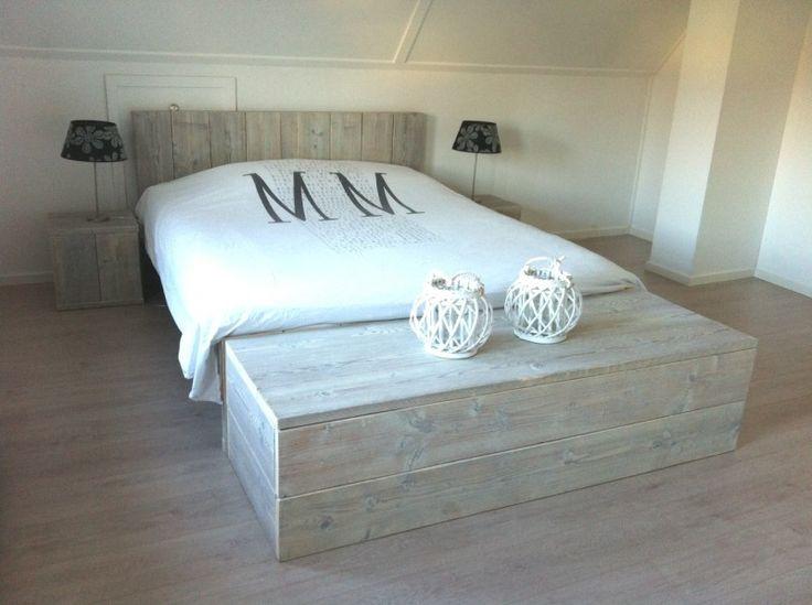steigerhout bed met steigerhout hocker