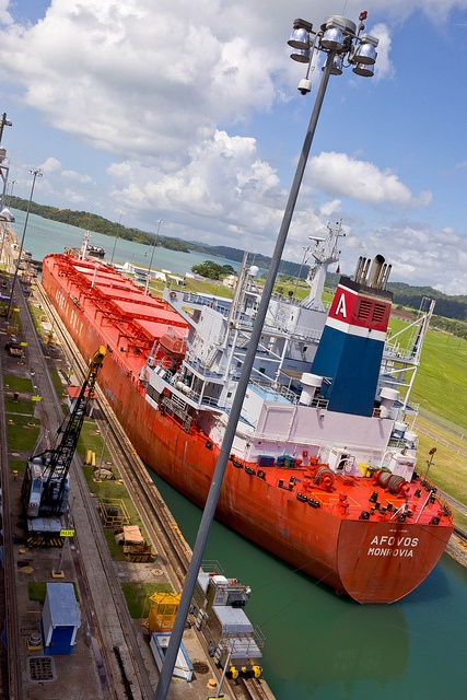 Panama Canal, Fuerte Davis, Colon, Panama. Photo: Michael Gove, photosignals, via Flickr
