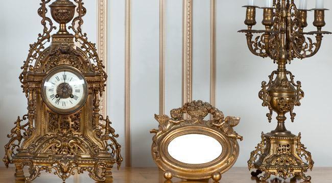 Кованые изделия всегда являлись предметом роскоши и приметой хорошего вкуса — однако не всякий захочет обзаводиться тяжелой мебелью и аксессуарами. Латунь же намного легче, чем традиционные металлы для ковки, и обладает повышенной износостойкостью. +7965 40 40 509 WhatsApp Viber #латунь #италия #stilars #декор #декоративные #интерьер #аксессуары #длядома #часы #ваза #менажница #подсвечник #поднос #italy #дом #канделябр #подсвечник #фоторамка #фото #зеркало #зеркалолук