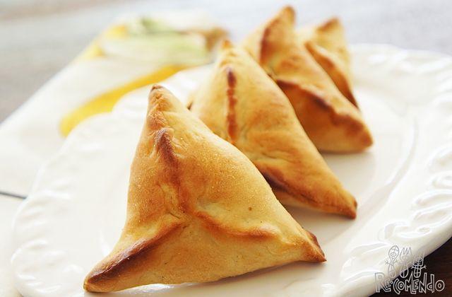 Esfirra de carne do restaurante Arábia - www.re-comendo.com