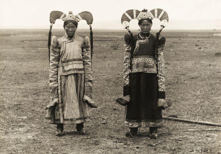 """第5回 スター・ウォーズのモデルになった モンゴル女性の""""盛り髪""""(1921年)   ナショナルジオグラフィック日本版サイト"""