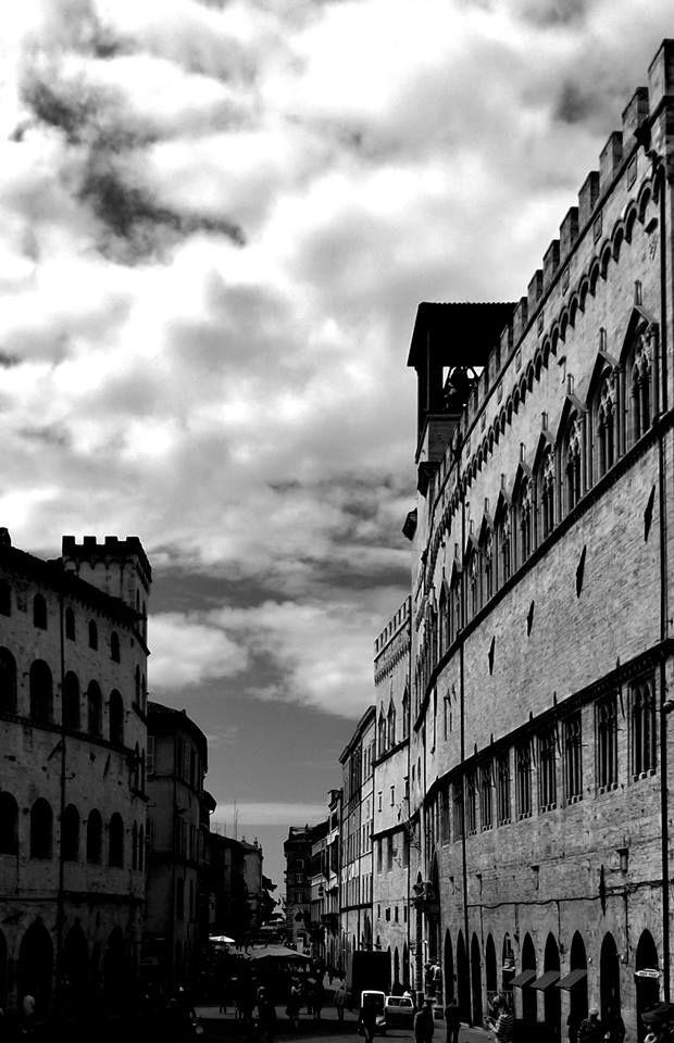Sarà la Galleria Nazionale dell'Umbria di Perugia ad ospitare il primo appuntamento con Giocamusei, serie di eventi dedicati ai bambini fra 4 e 10 anni ed alle loro famiglie per scoprire le meraviglie dei musei di Perugia, organizzati da Sistema Museo. Sabato 19 novembre (ore 16) le sale della galleria si animeranno con La scatola magica