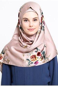 Wanita > Baju Muslim > Hijab > Jilbab Instan > Diindri Hijab Jilbab Instan Syar'i Misha - Soft Brown Flowery > Diindri Hijab