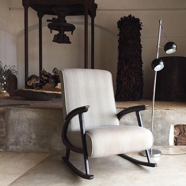 Vintage chair and industrial 1960s black ball foot lamp. Companhia das Culturas | Algarve |