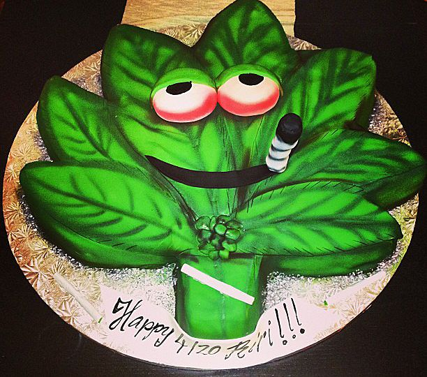 For 4/20, Rihanna had a special pot leaf cake made. She posted the photo at Instagram with this message:
