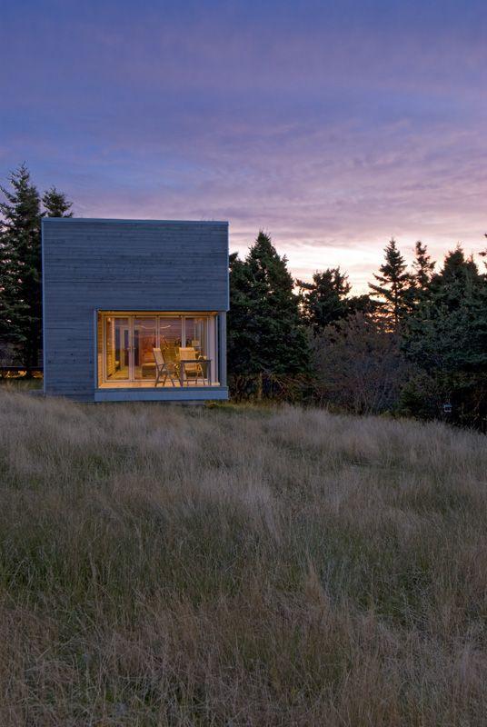 Warm minimalism for serene spa pavilion in Nova Scotia | Designhunter - architecture & design blog