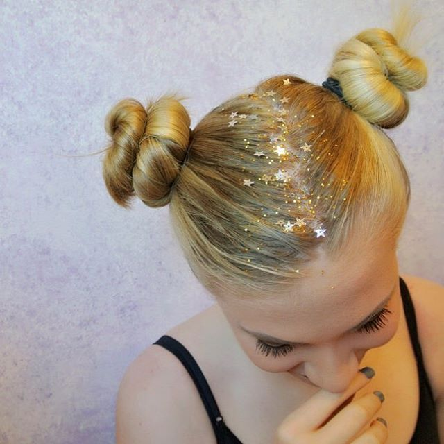 Festival season is officially here.  In between selecting your wellies and digging around your shed for a tent, it's also time to try out some of 2016's most on point hair and beauty trends.