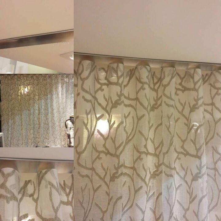 Novità in negozio ....... tendaggio realizzato con pieghe wave (effetto onda) su bastone fissato a soffitto. Realizzato con tessuto genesis by Acro Texture da Paola e Rosa.