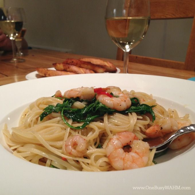 Chilli, garlic and prawn linguine... from packaging to plate in 10 minutes. Now THAT is what I call fast food (and good for you, too!)