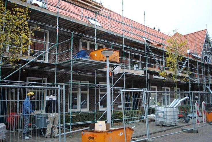 Bouwend Nederland dringt er bijhet kabinet op aan dat alle verbouwingen en renovaties aan woningen permanent onder het lage btw-tarief van 6 procent... BOUWEND NEDERLAND: 'BEHOUD LAGE BTW'