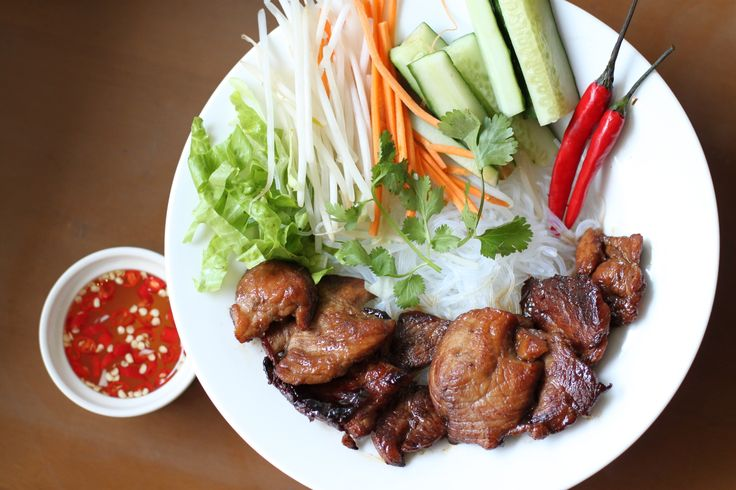 Vietnamese Grilled Pork Vermicelli  Message us on our page ( m.me/eatcadobox ) to check our daily menu.  #Vietnamese #Grilledpork #Vermicelli #diet #balanceddiet #healthy #healthyeating #healthyeats #homemade #homecooked #nom #nomnomnom #hkfood #hkeats #delivery #hongkongfood #instafood #eatcadobox #cadobox