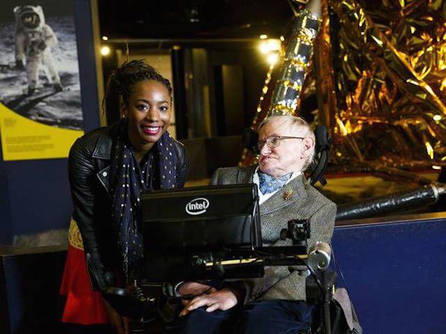 Stephen Hawking revela el mayor defecto de la humanidad