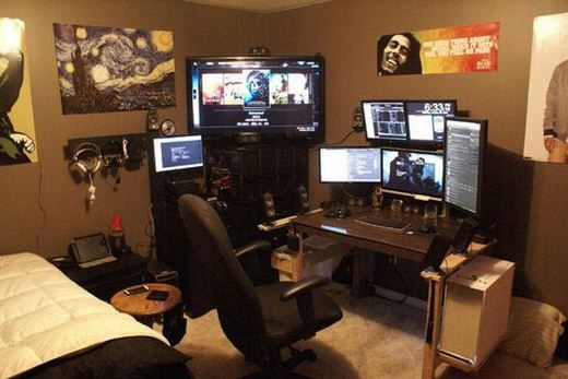 Man Cave Computer Room : Amazing battlestations geek pinterest caves awesome