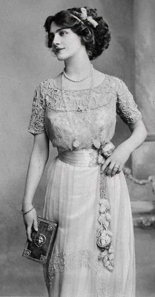 Circa 1910.