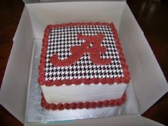 University of Alabama cake with houndstooth rice paper