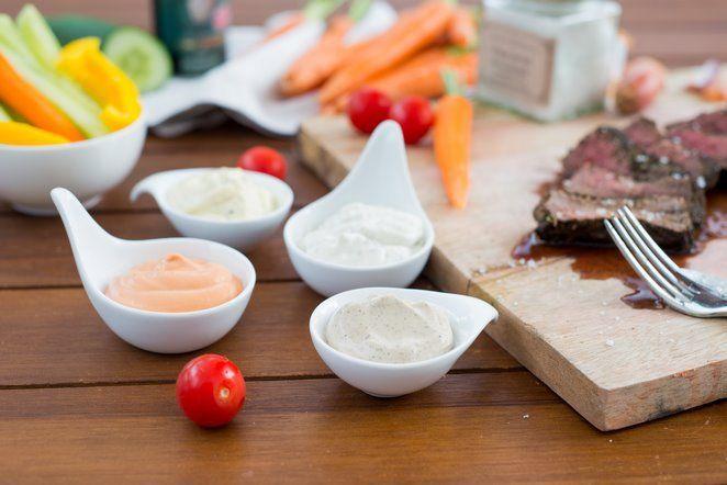 Mayonnaise Variationen für Fondue Bourguignone oder Grillfleisch (Sauce Béarnaise, Cocktail, Tartare & au Poivre) | Rezept | Französisch kochen