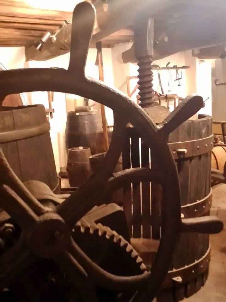 Torgiano - Visita guidata al Museo del Vino