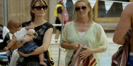 Offspring Nina and Billie in sunglasses | Nina in Johnny Was top