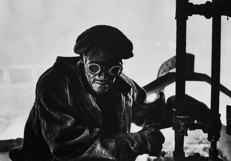 W.Eugene Smith Photographer http://territoriotoxico.wordpress.com/ USA. Pennsylvania. Pittsburgh. 1955. Steelworker.