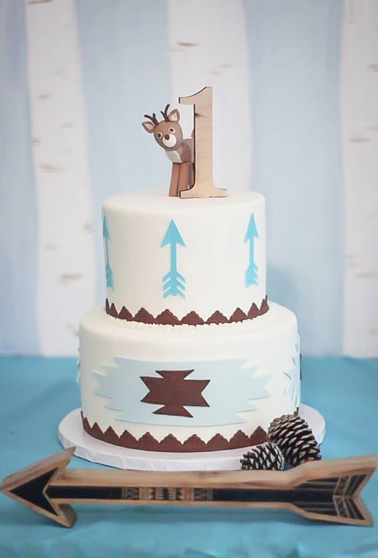 wooden #1 cake topper for woodland themed first birthday party from www.zcreatedesign.com - they have so many cute first b-day things!