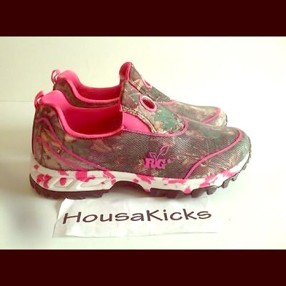b94a0fc601e06 Realtree Outfitters Lynx Slip on Shoes hot pink