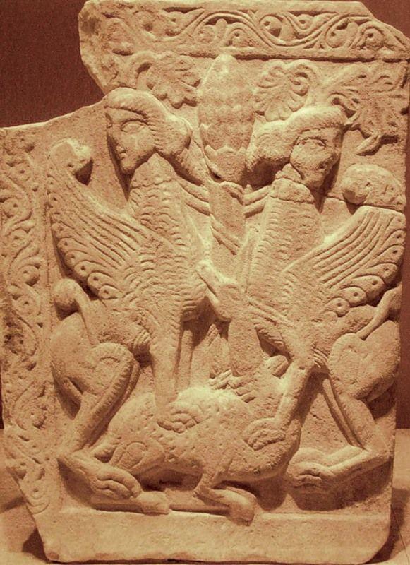 Геральдическая композиция в византийском орнаменте