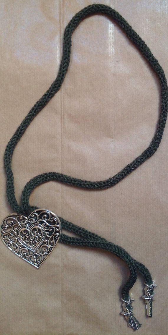 Heartshaped green military necklace di ilFilodiFranci su Etsy