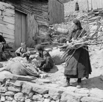 Greece, women and boy working outside home in Métsovon :: AGSL Digital Photo Archive - Europe