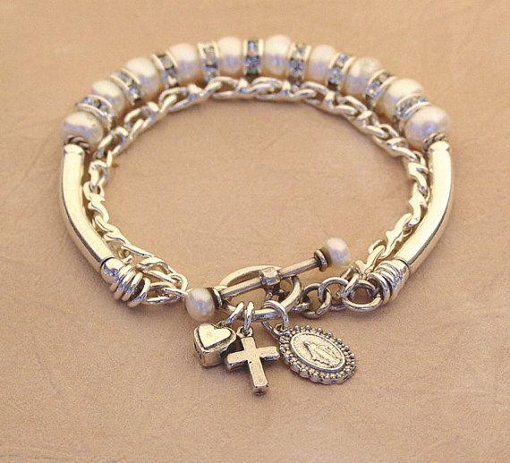 Una doble cadena pulsera rosario compuesta de... Las perlas de agua dulce botón blanco de excelente calidad con rondelles cristal y plata curvado tubos