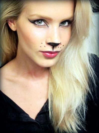 You cant go wrong with a cat costume, complete with a signature cat eye. Halloween Makeup #halloween #makeup