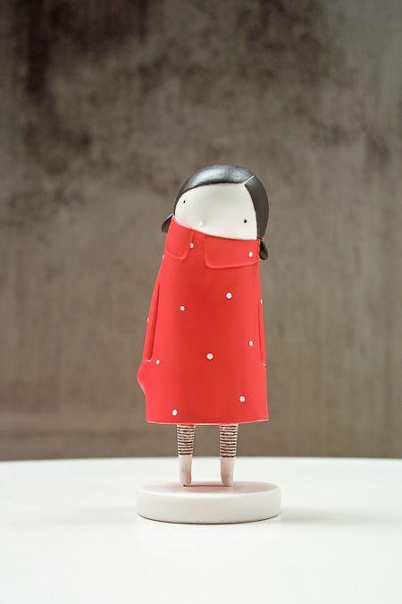 Minimita de Elena OdriozolaDe Elena, Girls Decor, Paper Mache, Toys, Book Character, Elena Odriozola, Red Coats, Art Dolls, Minimita De