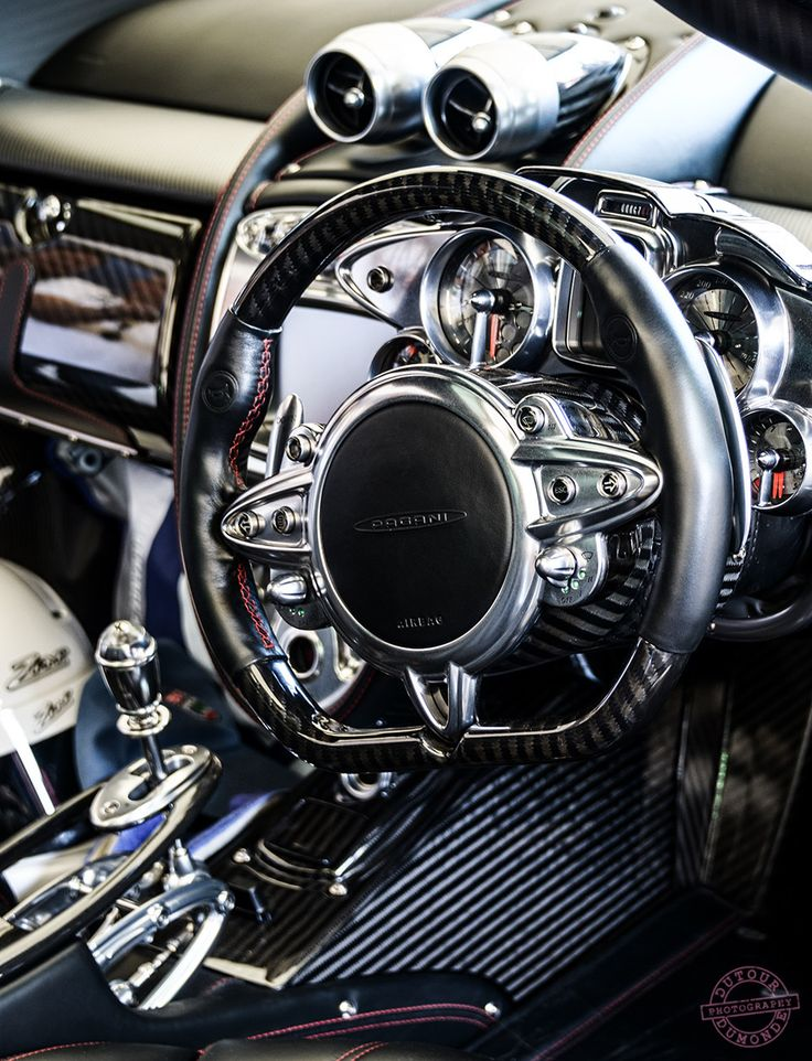Pagani Huayra Cockpit (Detail) HTTP://HartWieGranit.com
