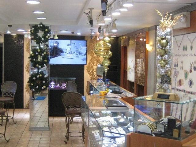 For your st maarten shopping go to DK Gems, the Best duty free st maarten jewelry stores. DK Gems is located on 69 A Front street in Philipsburg. Check out our reviews on tripadvisor.