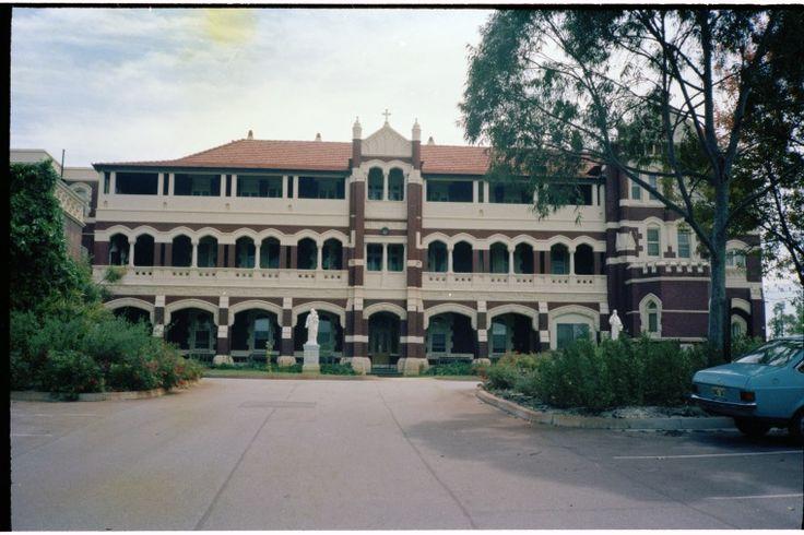 311077PD: Main entrance, St John of God Hospital, Subiaco, October 1981 https://encore.slwa.wa.gov.au/iii/encore/record/C__Rb3699165
