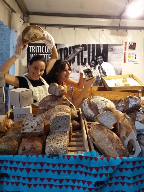 XEVI RAMON @xeviramon  1 hFa 1 hora Seguim a #mercatdemercats La Glòria, la Helena i la Núria; us esperen per mostrar-vos les nostres novetats! #triticum