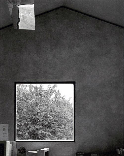 Peter Zumthor - Haldenstein studio, 1986 Rendered internal,walls with simple sand and cement