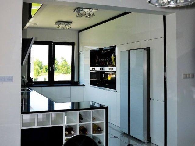 LISTOPAD  Kuchnia autorstwa firmy Projekt-Kuchnie z Głogowa, www.projekt-kuchnie.pl