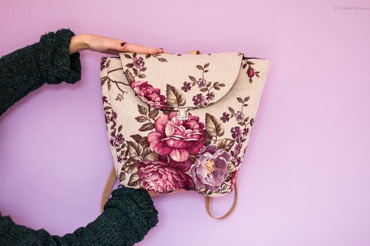 Zaino tessuto tappezzeria floreale peonie fucsia viola romantico spallacci regolabili chiusura cerniera regalo per lei compleanno capiente di Narcysa su Etsy