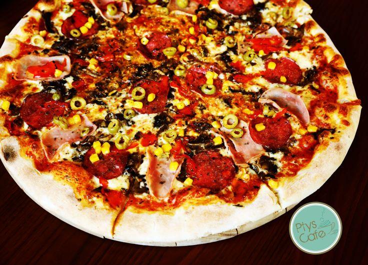 Przepyszna pizza z salami :)