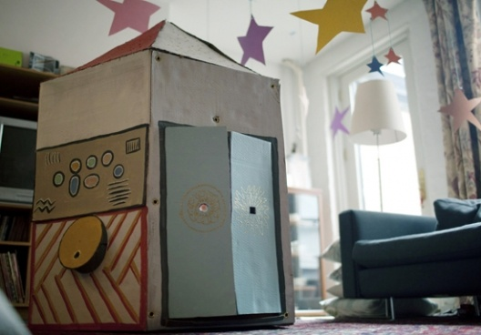 rocket ship birthday party...cheap, easy, indoor, and no other activities necessary.