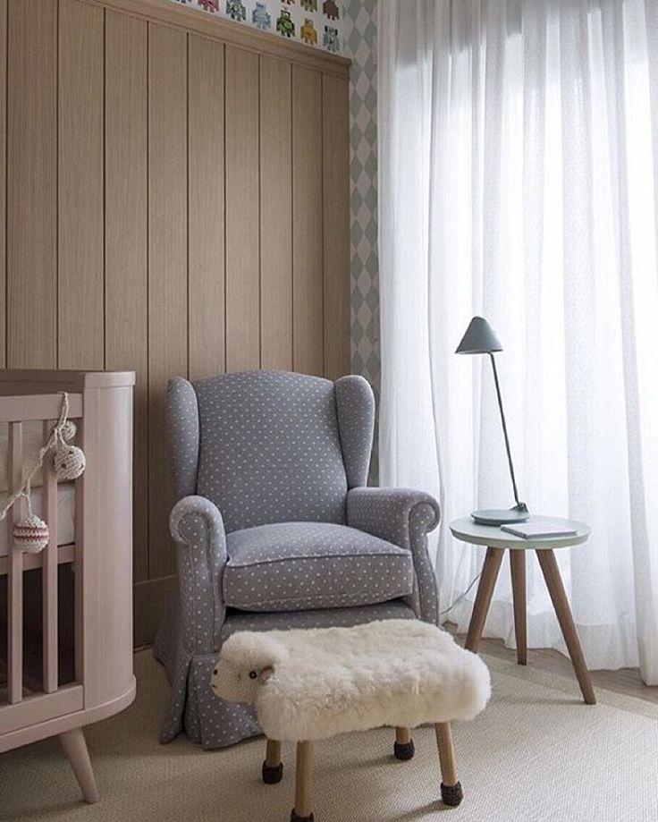 Quarto de bebê l Cantinho charmosíssimo para amamentar. Projeto @triplex_arquitetura #baby #babyroom #bebe #babies #cute #quartodebebe #bedroom #decor #arquiteta #homedecor #girl #love #instabest #instalove #homestyle #decoração #decoration #design #details #arquitetando #instadecor #blogfabiarquiteta #fabiarquiteta http://www.fabiarquiteta.com