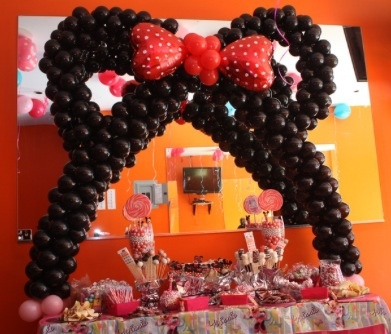 80 best party images on pinterest balloon arch balloon for Balloon decoration courses in london