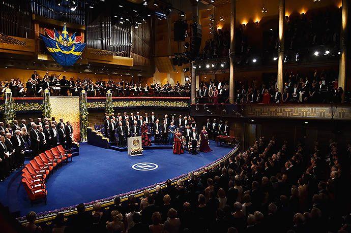 Члены королевской семьи Швеции на приеме в честь лауреатов Нобелевской премии - http://russiatoday.eu/chleny-korolevskoj-semi-shvetsii-na-prieme-v-chest-laureatov-nobelevskoj-premii/ Торжественное награждение и прием в Городской ратуше СтокгольмаВчера в Стокгольме прошла церемония вручения премии нобелев