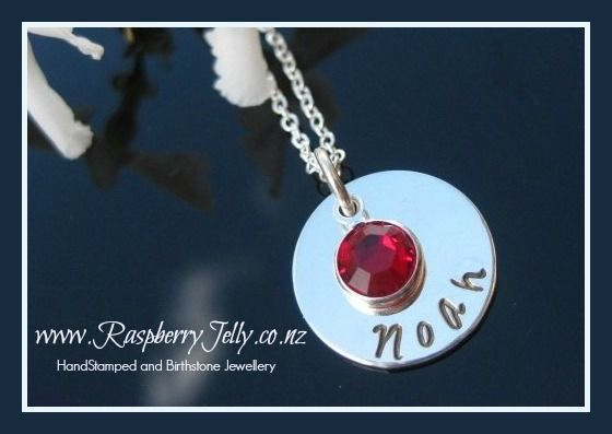 Enter to win: Personalised Elizabeth Pendant RRP $50 | http://www.dango.co.nz/s.php?u=JlqEtCok2557
