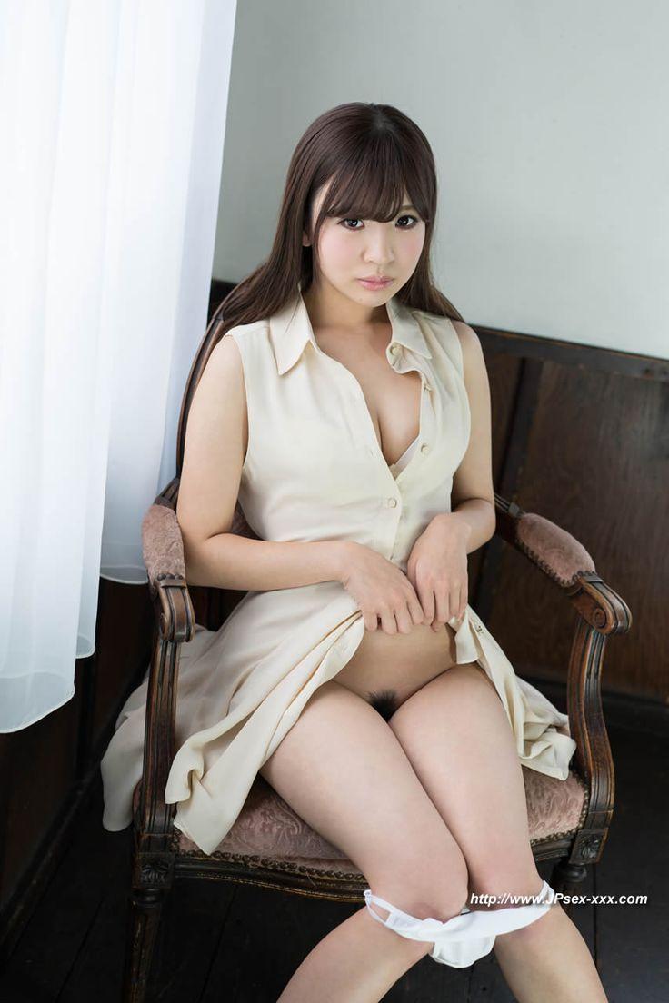 nude girl pics Japan