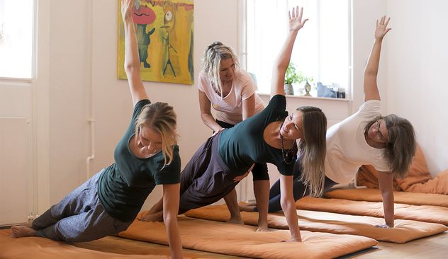 Få en god start hos Yoga Being | Downtown København - Billige Sushi deals
