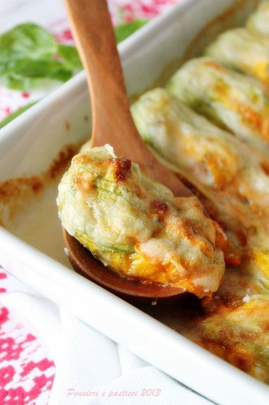 Zucchini flowers stuffed with ricotta and vegetables | Fiori di zucca ripieni alla ricotta e verdurine | pensieri e pasticci