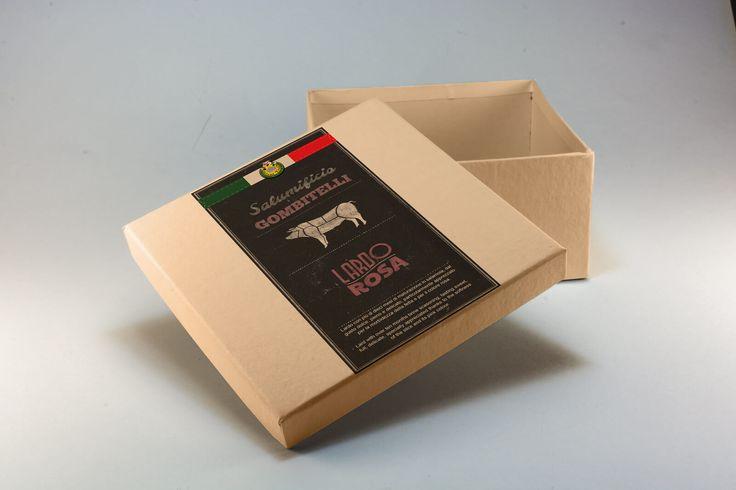 Regali Aziendali - Salumificio Artigianale Gombitelli Avete un'azienda e volete fare regali a dipendenti, clienti, fornitori o collaboratori? Una confezione di salumi, formaggi ed altre specialità alimentari della Toscana è quello che fa per voi.
