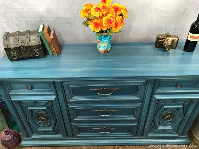 How To Blend Layer Paint For Amazing Results Layer Paint Furniture Painting Techniques Painting Furniture Diy